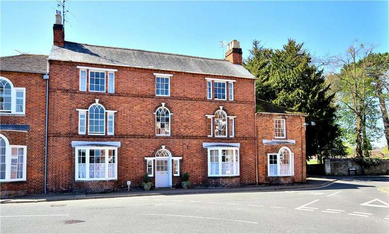 4 Bedrooms Terraced House for sale in Broad Street, Pershore, Worcestershire, WR10
