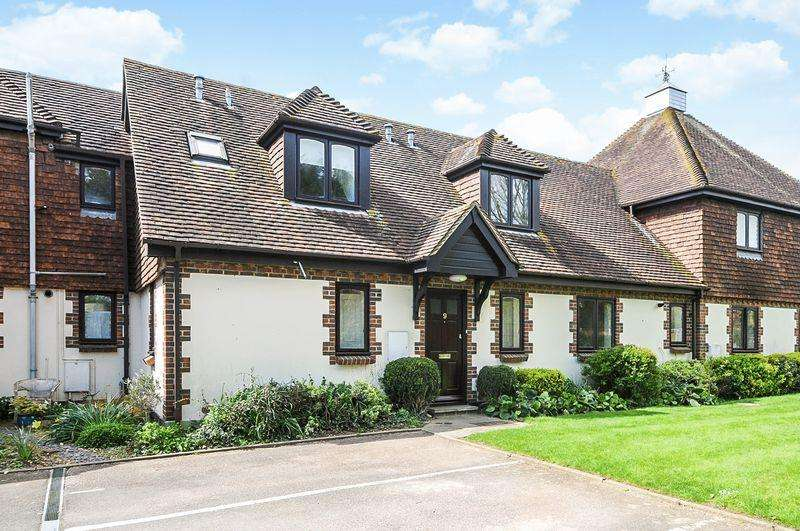 1 Bedroom Apartment Flat for sale in Priors Acre, Chichester