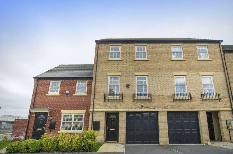 4 Bedrooms Terraced House for sale in BRAMBLEHEDGE DRIVE, SINFIN