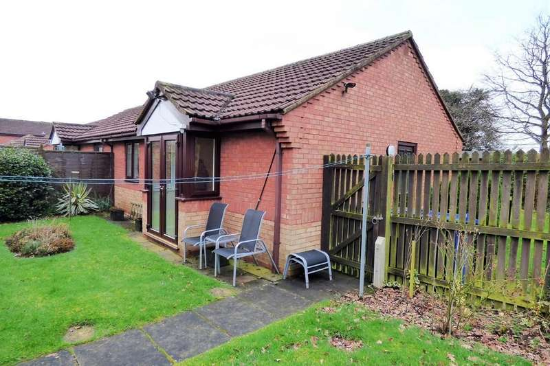 2 Bedrooms Semi Detached Bungalow for sale in Ladywell Close, Stretton
