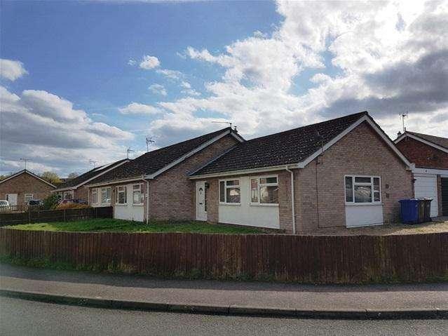 3 Bedrooms Detached Bungalow for sale in blackbird road, beck row