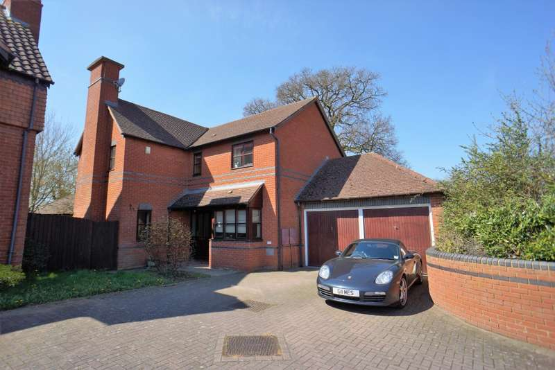 4 Bedrooms Detached House for rent in 78 Linceslade Grove, Loughton