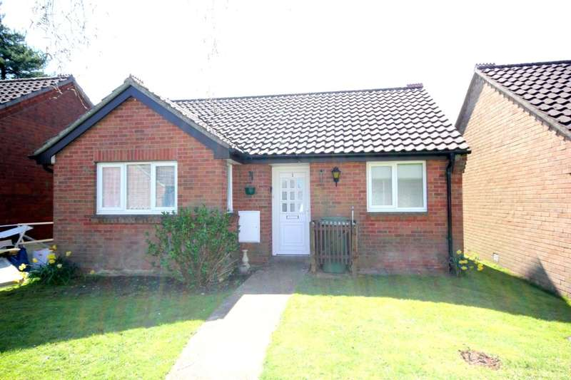 2 Bedrooms Detached Bungalow for sale in Churchfield Green St. Williams Way, Norwich, NR7