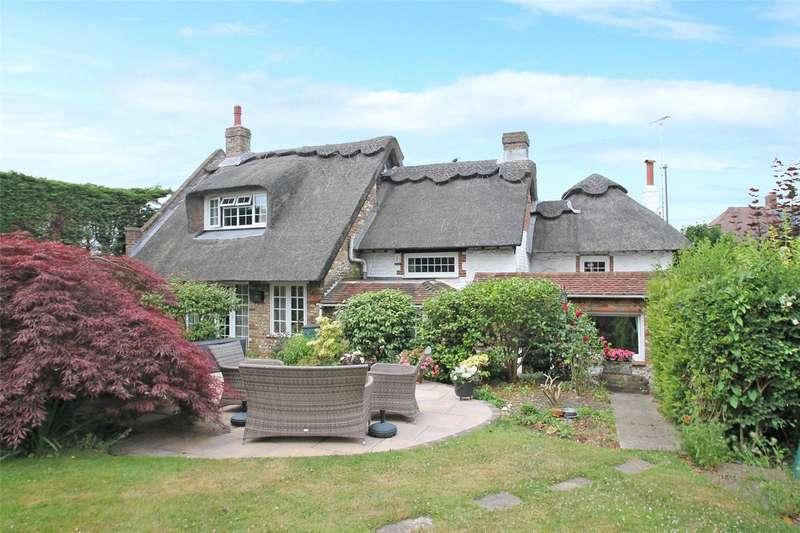 3 Bedrooms Detached House for sale in Thorncroft Cottage, Horsham Road, Littlehampton, BN17