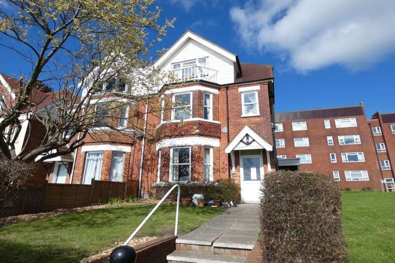 5 Bedrooms Semi Detached House for sale in Wear Bay Crescent, Folkestone, CT19