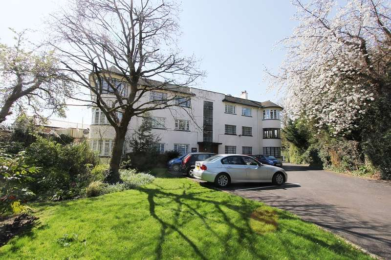 2 Bedrooms Flat for sale in Edgware Court, High Street, Edgware, Greater London. HA8 7NP