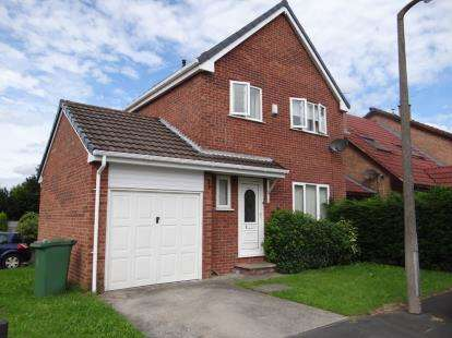 3 Bedrooms Link Detached House for sale in Avocet Close, Newton-le-Willows, Merseyside