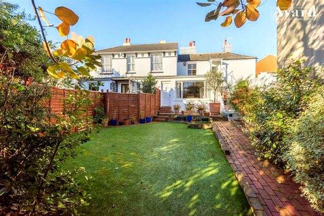 2 Bedrooms Property for sale in Ditchling Road, Brighton, BN1 4SF