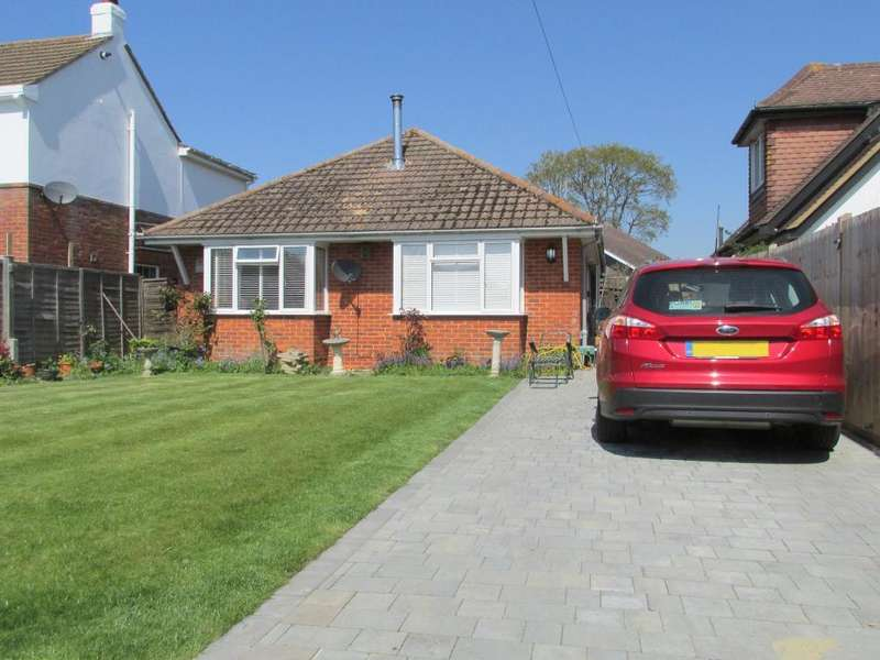 2 Bedrooms Bungalow for sale in Robins Drive, Aldwick, Bognor Regis, West Sussex, PO21 3BL