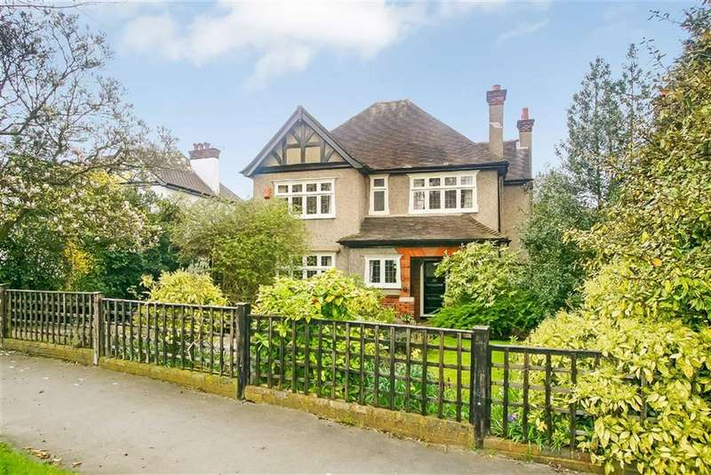 4 Bedrooms Detached House for sale in Mapledale Avenue, Croydon, Surrey