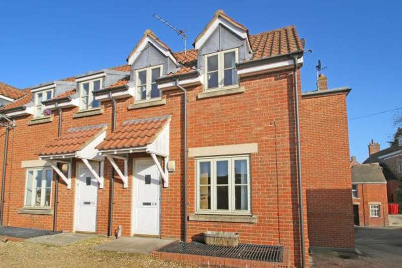 2 Bedrooms Town House for rent in Edward Street, Westbury