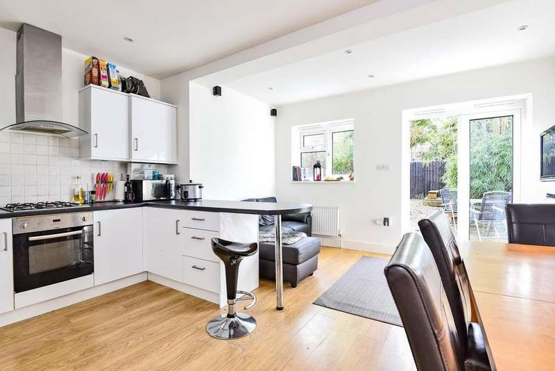 3 Bedrooms Terraced House for sale in Fairlight Road, Tooting