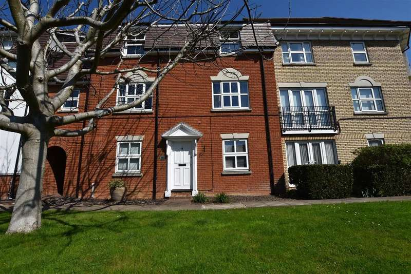 2 Bedrooms Apartment Flat for sale in Tallow Gate, South Woodham Ferrers