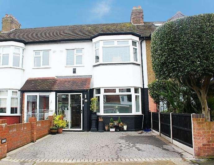 3 Bedrooms Terraced House for sale in Eastfield Road, Waltham Cross