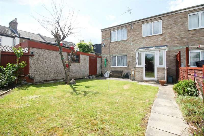 2 Bedrooms End Of Terrace House for sale in Priors Mead, Enfield, EN1