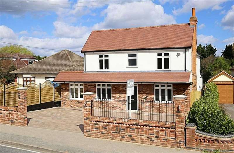 4 Bedrooms Detached House for sale in Oak Hill Road, Stapleford Abbotts, Essex