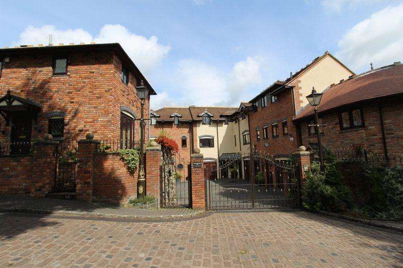 4 Bedrooms House for sale in Hill Street, Walsall