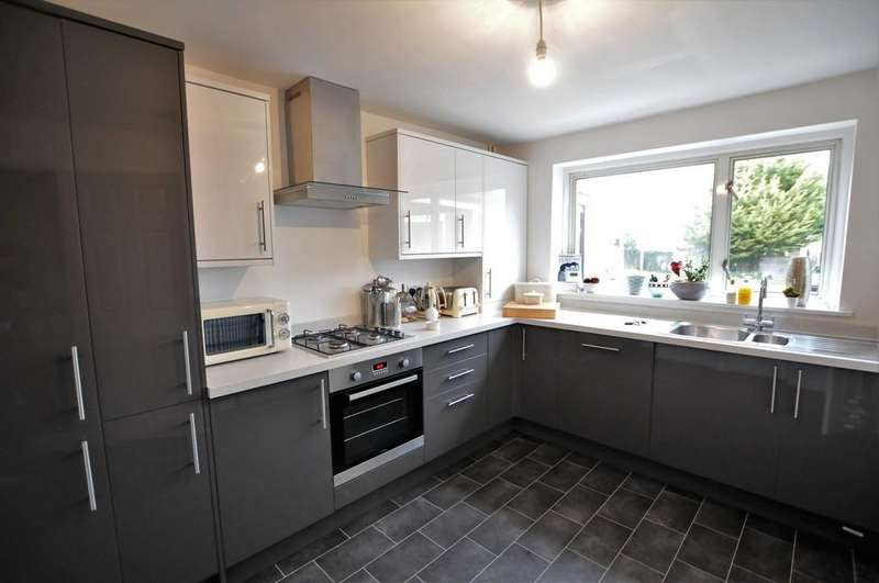 3 Bedrooms Terraced House for sale in Leete Place, Royston