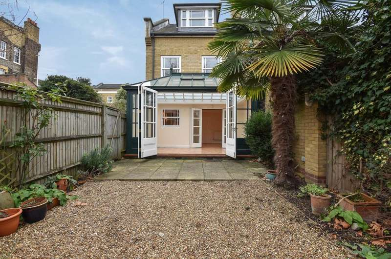 3 Bedrooms Semi Detached House for sale in Harmsworth Mews, SE11