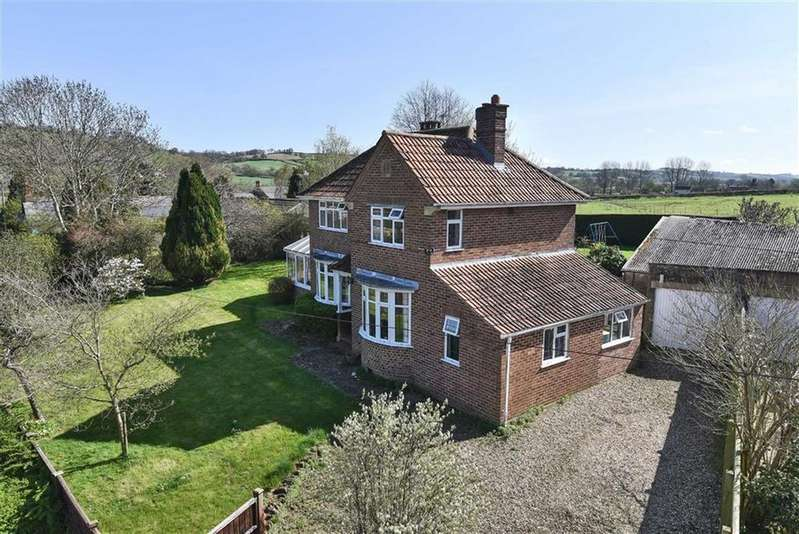 3 Bedrooms Detached House for sale in Lower Street, West Chinnock, Crewkerne, Somerset, TA18
