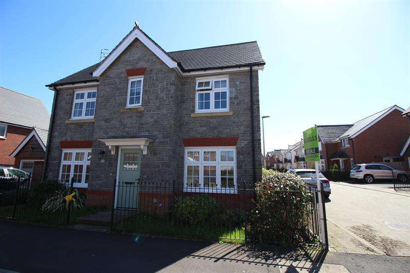 4 Bedrooms Detached House for sale in Swallowfield Drive, Penallta, Hengoed