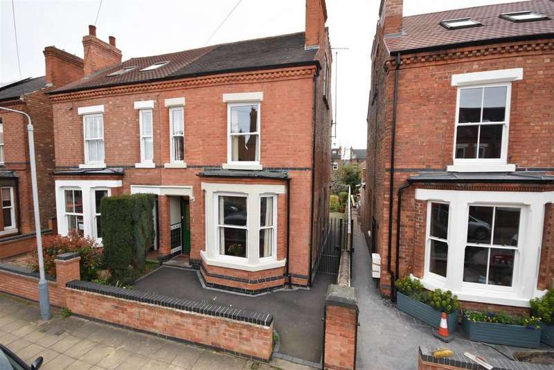 4 Bedrooms Semi Detached House for sale in Highfield Road, West Bridgford, Nottingham