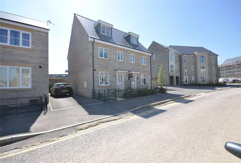 3 Bedrooms Semi Detached House for sale in Cowleaze, Greenfields, Swindon, Wiltshire, SN5