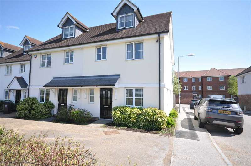 3 Bedrooms Semi Detached House for sale in Walter Mead Close, Ongar