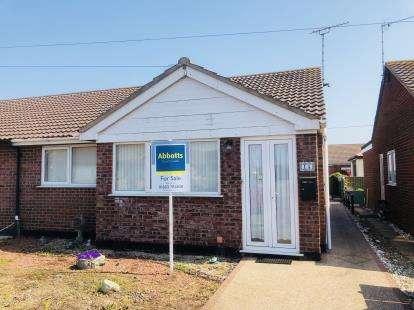 2 Bedrooms Bungalow for sale in Ostend Road, Walcott, Norfolk