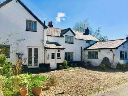 4 Bedrooms Semi Detached House for sale in Llanrhydd Street, Ruthin, Denbighshire, Na, LL15
