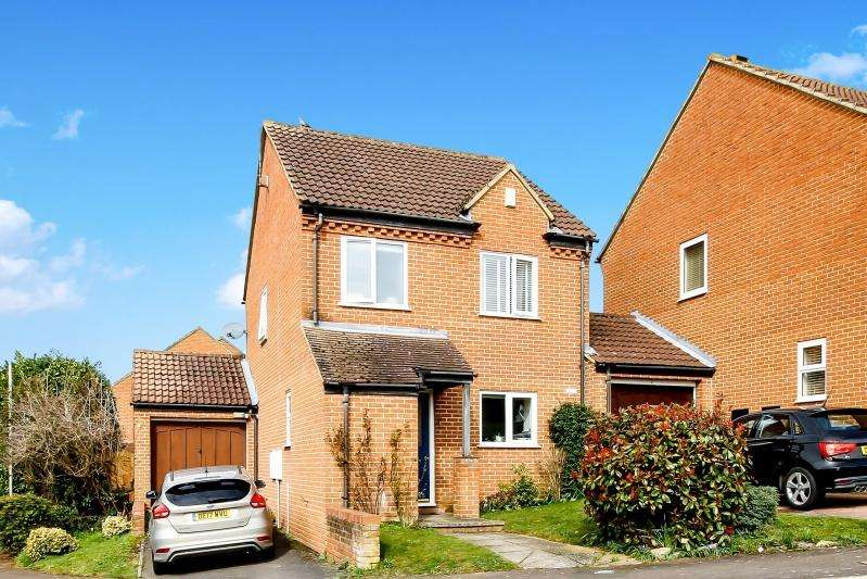 3 Bedrooms Detached House for sale in Sandford Heights OX4 4YQ