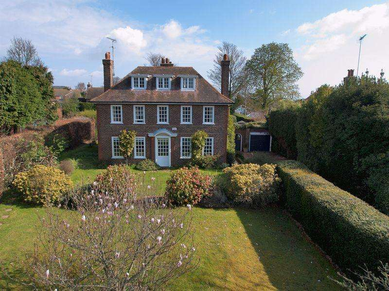 6 Bedrooms Detached House for sale in Hawksdown, Walmer