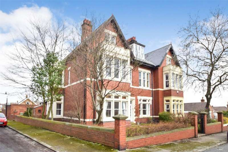 6 Bedrooms Semi Detached House for sale in Denehouse Road, Seaham, Co Durham, SR7