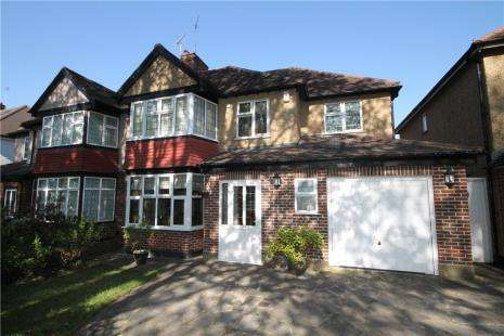 4 Bedrooms Semi Detached House for sale in Chestnut Avenue, Epsom