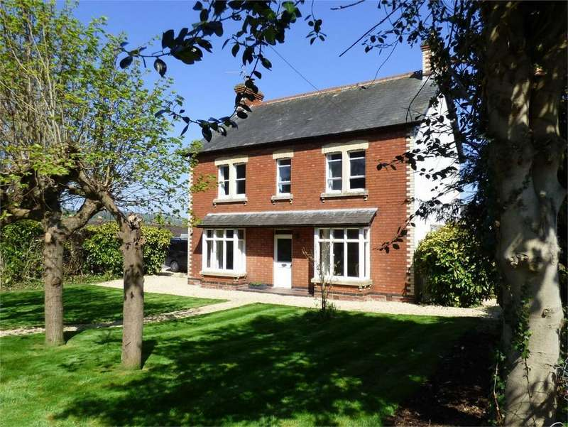 4 Bedrooms Detached House for sale in Church Street, Kings Stanley, Stonehouse