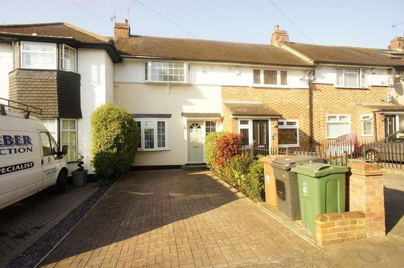 2 Bedrooms Terraced House for sale in Hawkdene, London