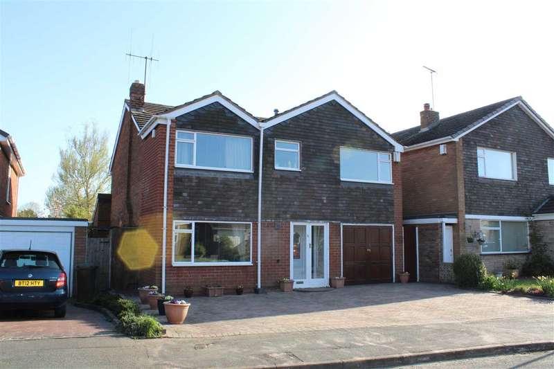 4 Bedrooms Detached House for sale in Bellencroft Gardens, Finchfield, Wolverhampton