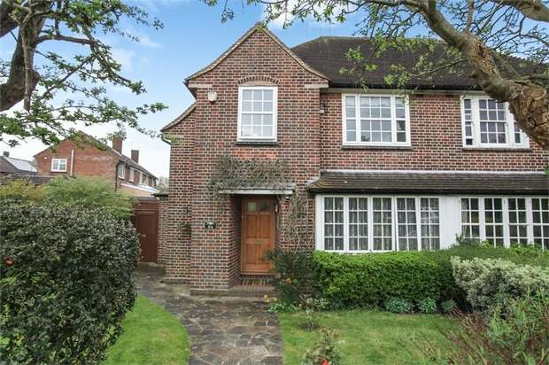 3 Bedrooms Semi Detached House for sale in Latimer Gardens, Pinner, Greater London