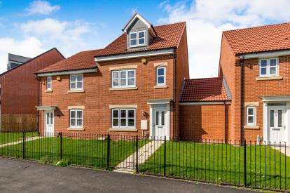 4 Bedrooms Semi Detached House for sale in Redcar Lane, Redcar, North Yorkshire, .