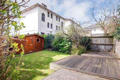 2 Bedrooms Flat for sale in Ryde, Isle Of Wight, .