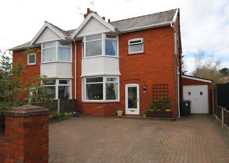 3 Bedrooms Semi Detached House for sale in Dunbar Road, Southport