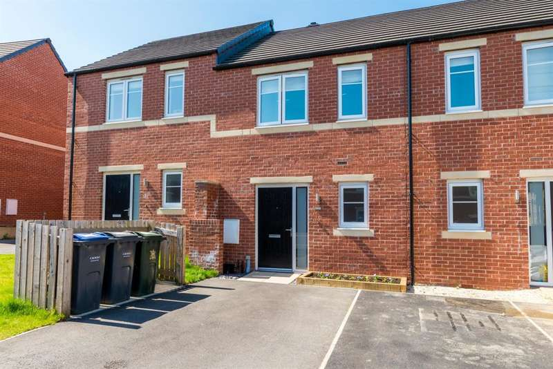2 Bedrooms Terraced House for sale in Harewood Drive, Apperley Bridge , BD10