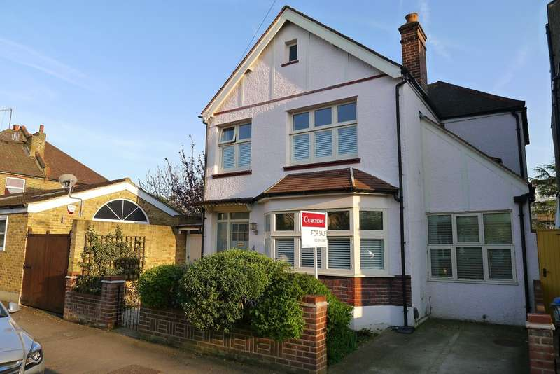 3 Bedrooms Detached House for sale in Edge of The Groves