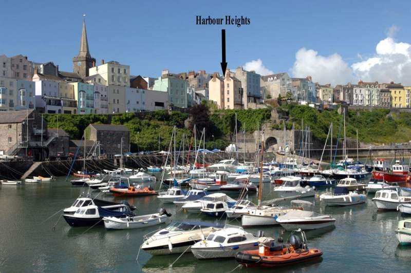 5 Bedrooms End Of Terrace House for sale in Harbour Heights, Crackwell Street, Tenby