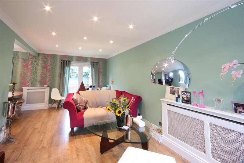 4 Bedrooms Detached House for sale in Discovery Walk, Wapping