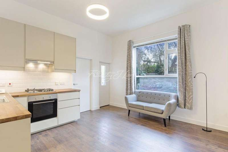 2 Bedrooms Flat for sale in Burlington Gardens W4