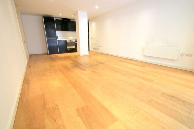 3 Bedrooms Flat for rent in Airpoint Skypark Road Bristol BS3
