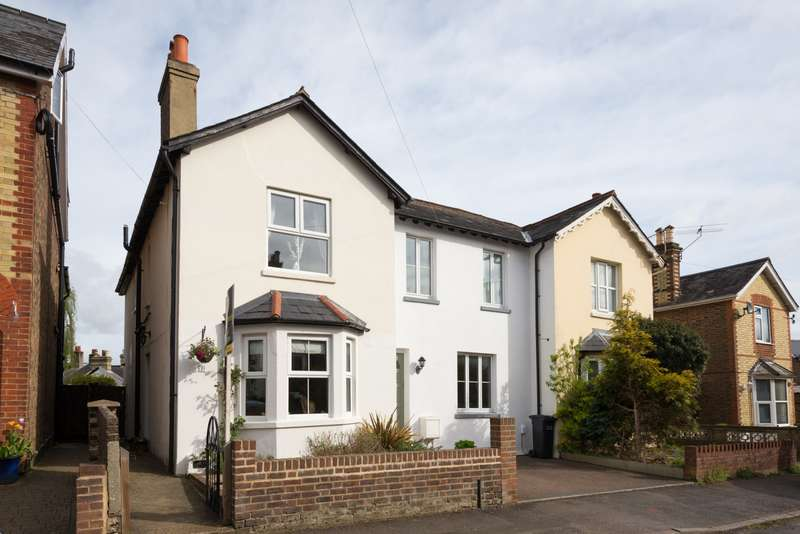 3 Bedrooms House for sale in Glovers Road, RH2