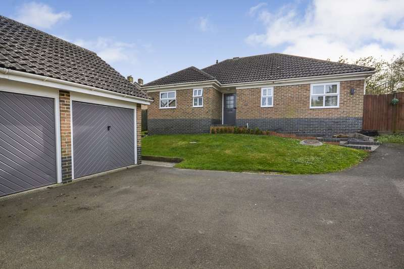3 Bedrooms Detached Bungalow for sale in Beacon Hill, Bexhill On Sea, TN39