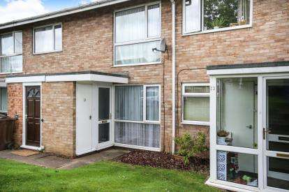 2 Bedrooms Maisonette Flat for sale in Merryfield Close, Solihull, West Midlands, .